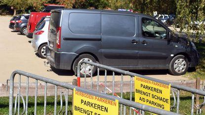 Verboden te parkeren op... parking