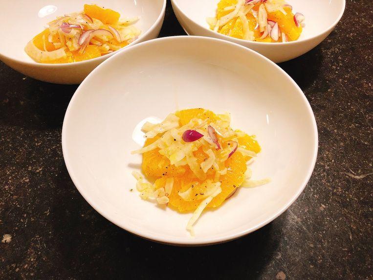 Sinaasappel met venkel en rode ui. Beeld Onno Kleyn