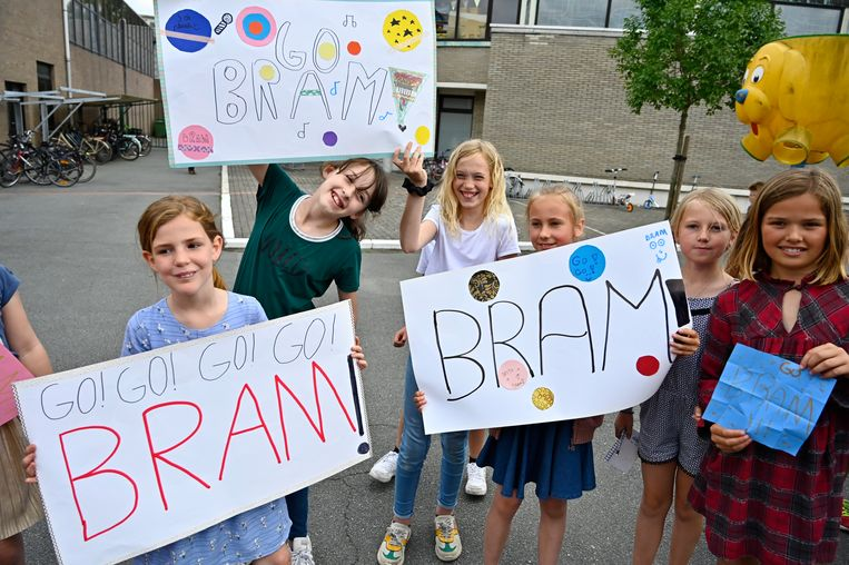 20190614 Zele Foto Geert De Rycke Bram van The Voice 14u00 : Onderschrift: Bram van The Voice treedt op in De Kouter basisschool