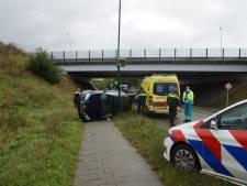 Auto komt op de kant terecht in Kaatsheuvel, geen andere voertuigen bij ongeluk betrokken