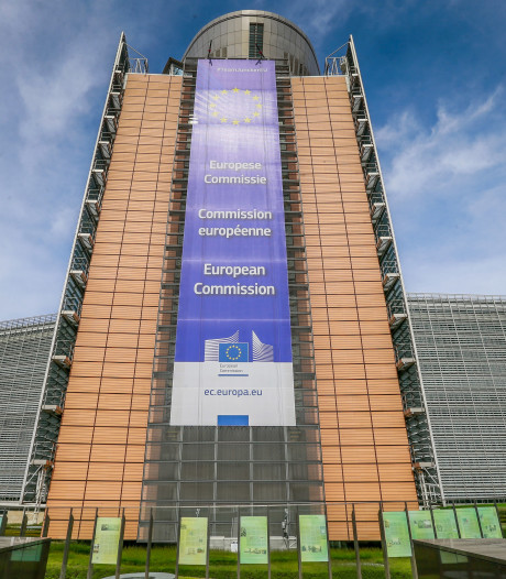 Des citoyens crient le nom des migrants morts en mer devant le Berlaymont