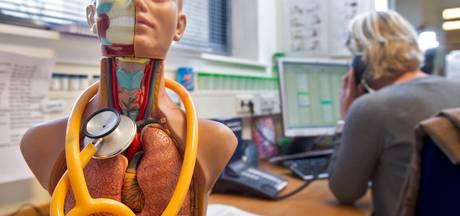 Arts heeft minder tijd voor patiënt door 'onzinnige' administratie