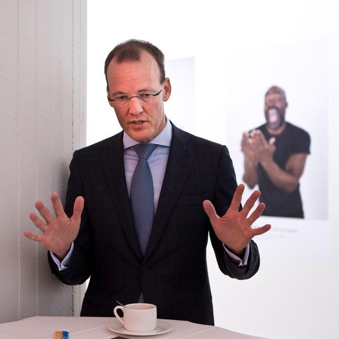 President van De Nederlandsche Bank Klaas Knot vindt dat het kabinet moet sparen.