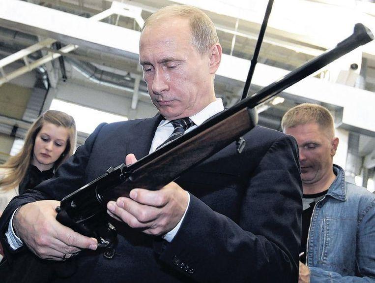 Volgens sommigen is 'roofdier' Poetin slechts te stoppen door Oekraïne het Navo-lidmaatschap toe te kennen. Beeld epa