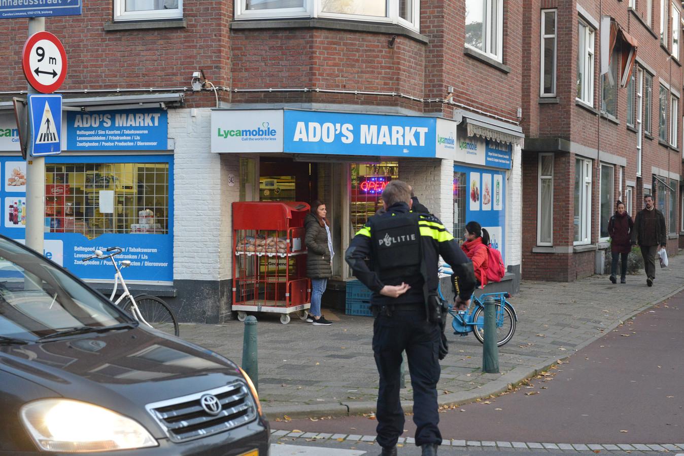 ADO's Markt werd vanavond voor de derde keer in een jaar tijd overvallen.