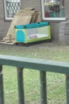Ophef om kindje dat buiten slaapt bij opvang in Deventer: 'Hier zijn dingen misgegaan'