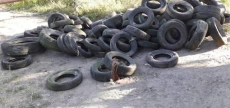 Grote berg autobanden gedumpt in Twello