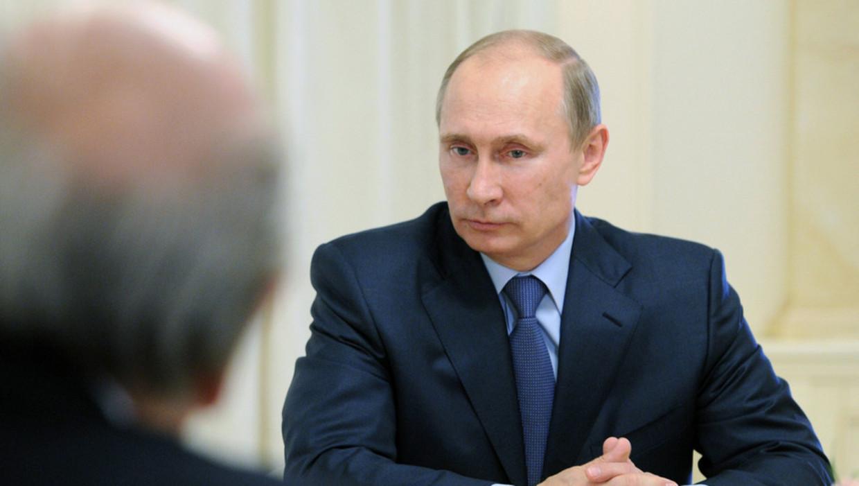 Medewerkers van Open Rusland vermoeden dat de inval te maken heeft met het verzet van de organisatie tegen de grondwetswijzingen die president Vladimir Poetin tot 2036 aan de macht kunnen houden.