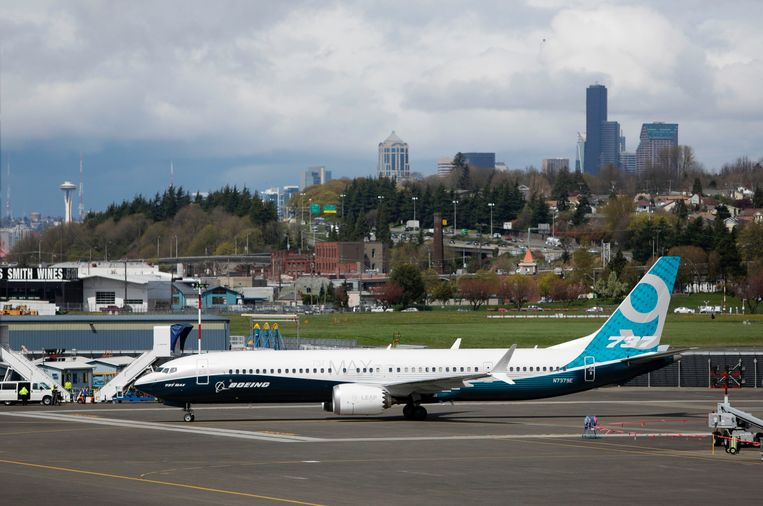 A Boeing 737 MAX 9.
