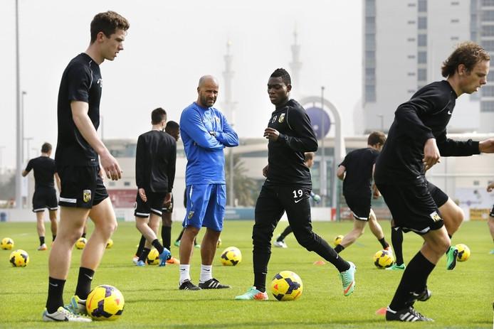 Peter Bosz met Vitesse in Abu Dhabi,