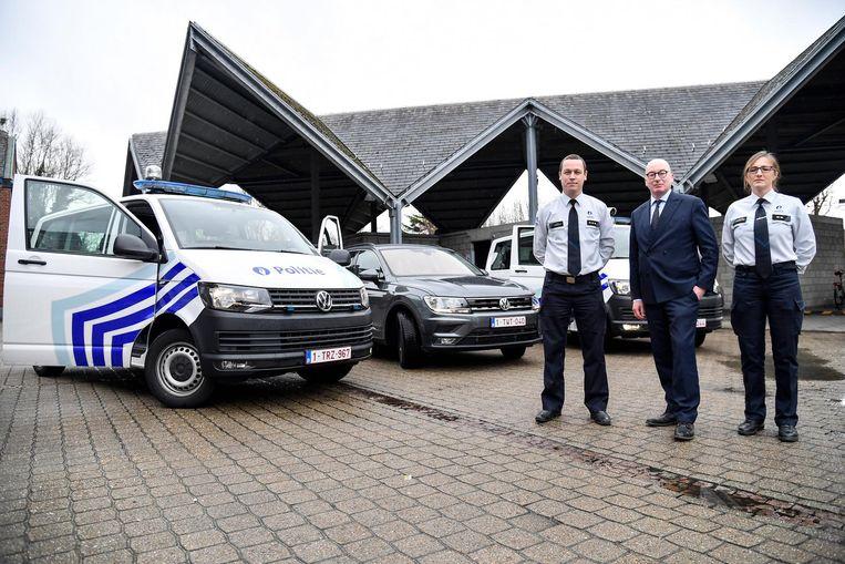 Burgemeester Piet Buyse, korpschef Patrick Feys en Kristien De Dyne van de interventiedienst.
