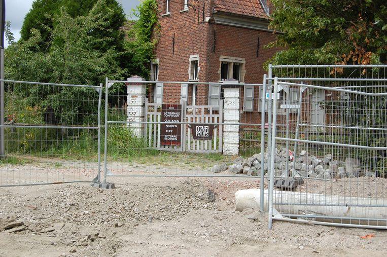 De zaak in Kruibeke is onbereikbaar geworden door de wegenwerken.
