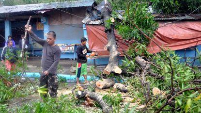 31 mensen vast in Filipijns overheidsgebouw na modderstroom door tyfoon Yutu