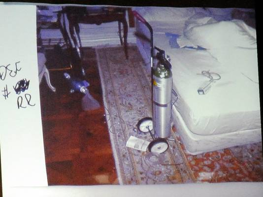 De slaapkamer waar Jackson overleed was bezaaid met medische attributen