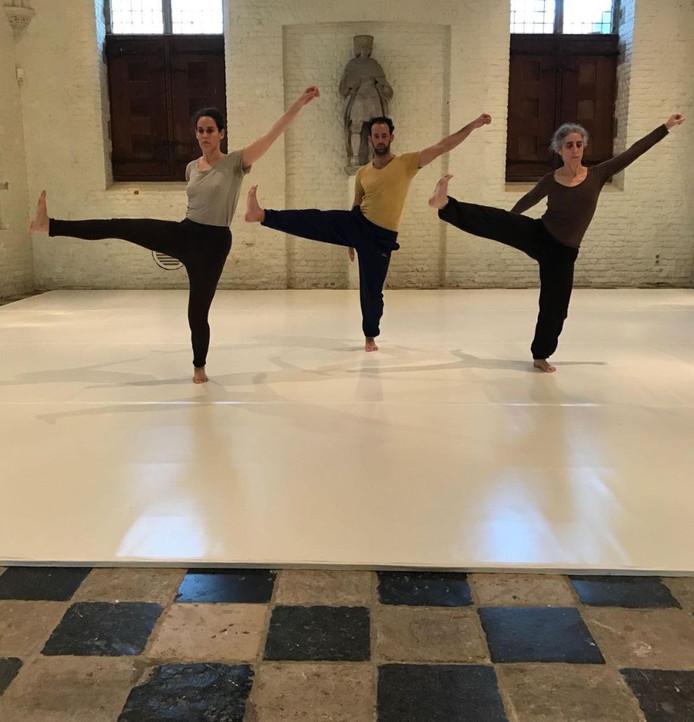 Een repetitie van de Noa Eshkol Chamber Dance Group.
