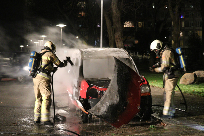 Autobranden blijven aanhouden in Utrechtse wijk Overvecht