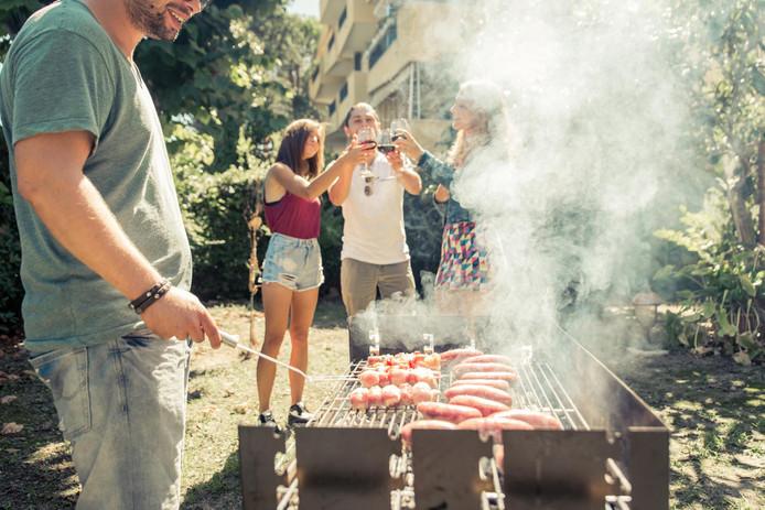Barbecueën met vrienden, veel mensen kijken er nu al naar uit.