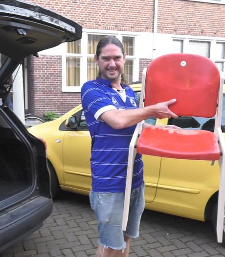 Rodney is de eerste Ajax-fan met een Arenastoeltje in huis
