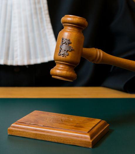 Utrechtse (72) voor de rechter omdat ze te laat 112 belt na fatale val echtgenoot (75): 'We zijn van jongs af aan samen'
