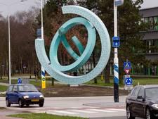 Philips plaatst sculptuur op rotonde in Best