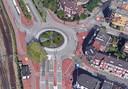 De rotonde op de kruising van de Burgemeester de Raadtsingel, Transvaalstraat en Toulonselaan.