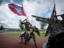 Arnhemmer brengt vijf keer per dag eerbetoon strijders Slag om Arnhem