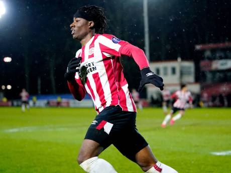 Jong PSV wint dankzij treffers van Madueke en Ngonge van Excelsior