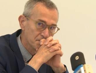 """Vandenbroucke zwaar aangedaan na bezoek aan Luiks ziekenhuis. """"Mogelijk moeten maatregelen 8 weken duren"""""""