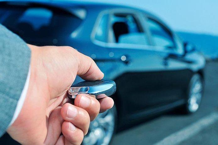 Autofabrikanten maken geen haast om hun auto's te beveiligen tegen keyless diefstal, zo blijkt.
