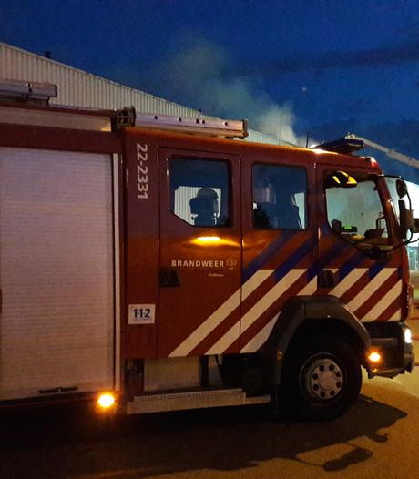 Groot alarm bij brand autobedrijf in Eindhoven
