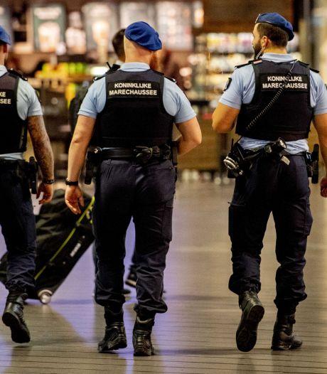 Tilburger (45) vast voor drugssmokkel via Schiphol