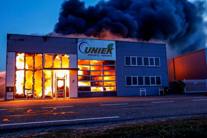 Zeer grote brand Raamsdonksveer
