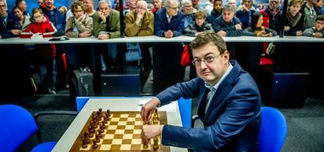 Sportwereld ligt plat, maar Erwin l'Ami uit Woerden schaakt op prestigieus toernooi in Rusland: 'show must go on'