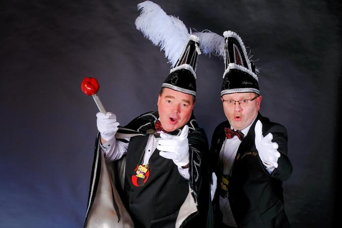 Met zijn adjudant Laurens zal prins Edwin dit weekend voorop in de polonaise gaan tijdens het carnavalsfeest van De Valappels uit Beuningen.