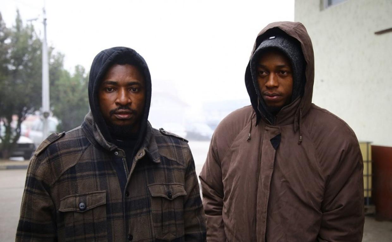 De twee Nigeriaanse studenten Abia Uchenna Alexandro en Eboh Kenneth Chinedu (beide 18), claimen dat ze gedeporteerd zijn terwijl de tafeltennissers een geldig visum voor Kroatië hadden.