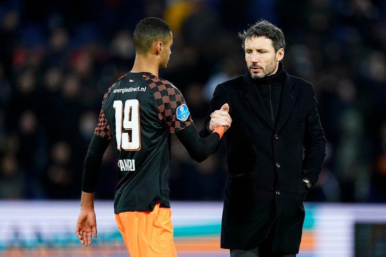 De laatste wedstrijd met Mark van Bommel als coach eindigde met een 3-1 nederlaag tegen Feyenoord.  Beeld BSR