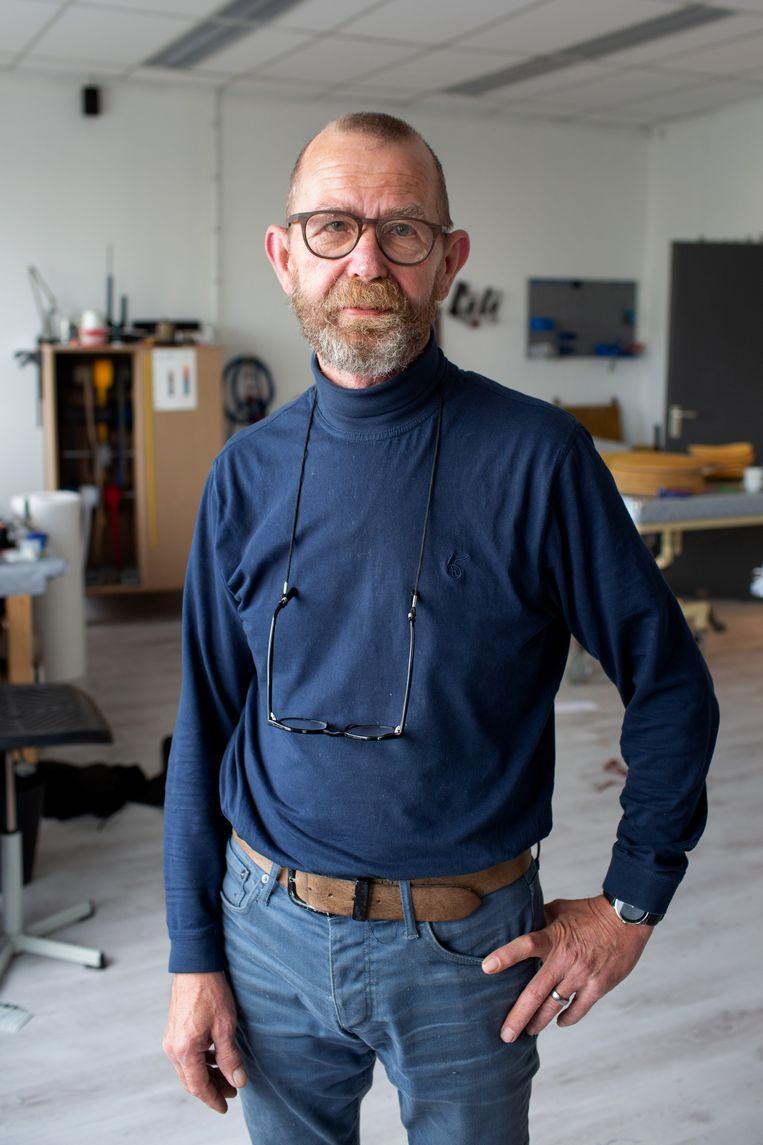 Stoffeerder Dirk Jansen heeft gewerkt met Josef B. de timmerman. 'Ik kan nog steeds niet geloven dat hij een sekteleider is geweest.' Beeld Herman Engbers