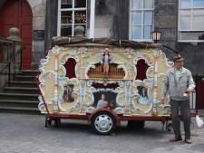 50 jaar rammelen met een bakje maakte hem gelukkig: Bossche 'Orgelman' Gerrit Kuijs overleden