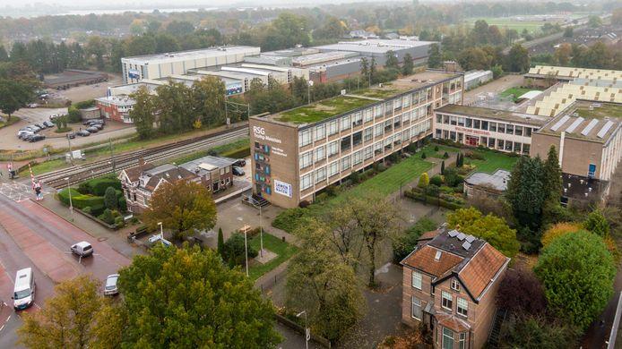 RSG Tromp Meesters, locatie Stationsstraat. De gemeente Steenwijkerland wil het gebouw afstoten, waarop de leerlingen zouden moeten verhuizen naar CSG Eekeringe.
