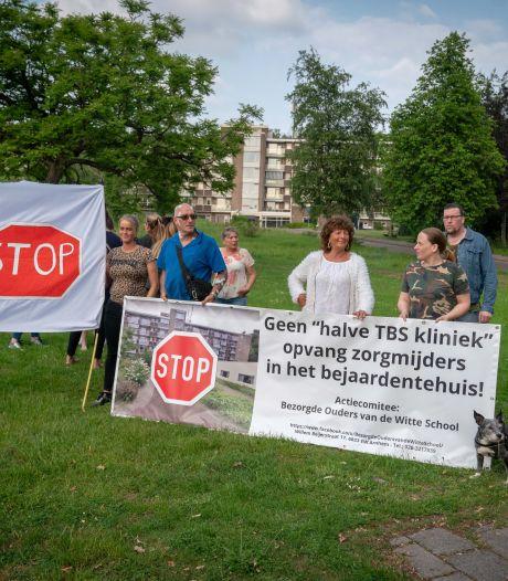 Bliksemactie van Arnhemse gemeenteraad: Paasbergflat mag niet meer gebruikt worden voor zorgklanten
