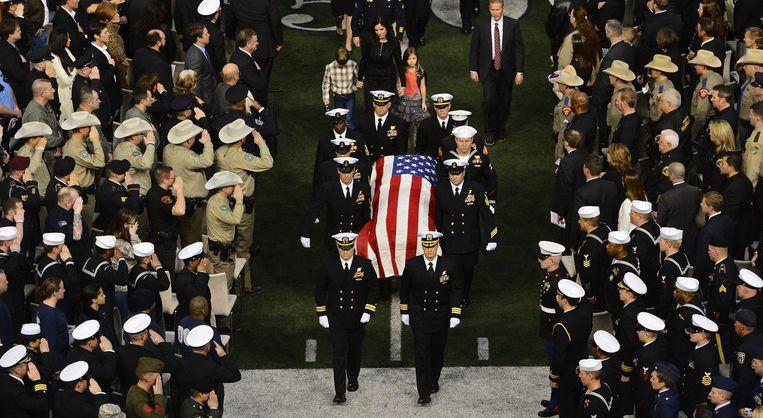 Marine-commando Kyle werd vorig jaar met veel militaire eer begraven. Beeld ANP
