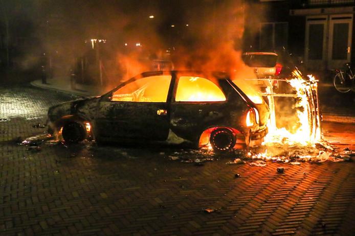 Autobrand in Veen.