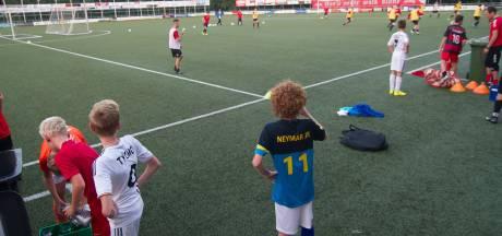 Week van het amateurvoetbal: Hetzelfde spelletje, maar totaal andere clubs