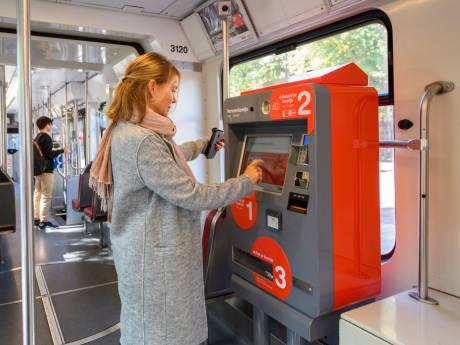 Buschauffeurs en trambestuurders hebben geen contant geld meer op zak