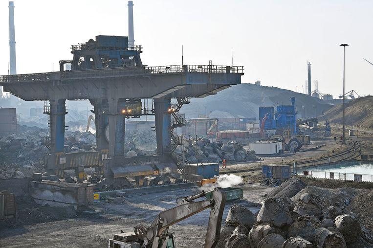 Tata Steel in IJmuiden, een van de modernste hoogovens ter wereld. Beeld Guus Dubbelman / de Volkskrant