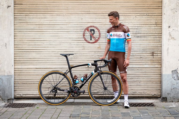 Oliver Naesen rijdt volgend jaar rond op een Eddy Merckx-fiets.