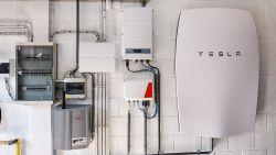 Gezin met thuisbatterij verbruikt 58% minder stroom
