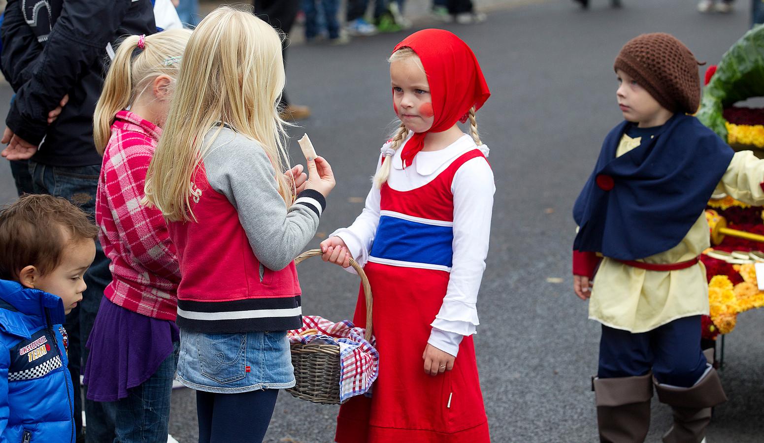 De allegorische optocht maakt onderdeel uit van de jaarlijkse Volksfeesten van Aalten. Het feest is voor dit jaar afgelast. Archieffoto Theo Kock