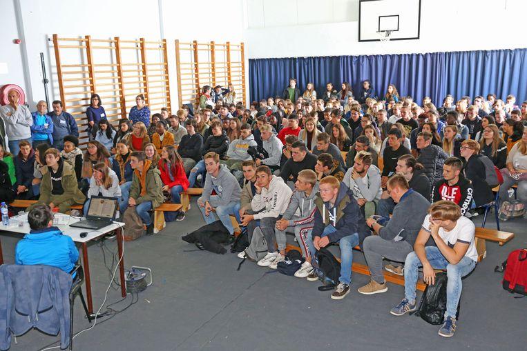 Voor de zesde- en zevendejaars van de Sint-Martinusscholen is CD&V de grootste partij in Asse.