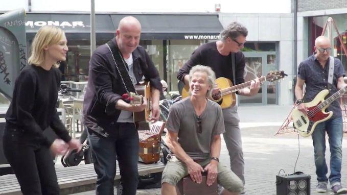 IN BEELD: BLØF geeft verrassingsconcert in Antwerpen